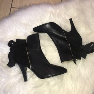 Betsy Johnson Back Knot Tie Booties